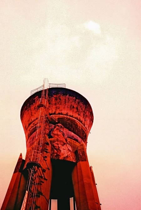 Red giant - Fuji Velvia 100F shot at ISO100. 35mm XPRO. #believeinfilm