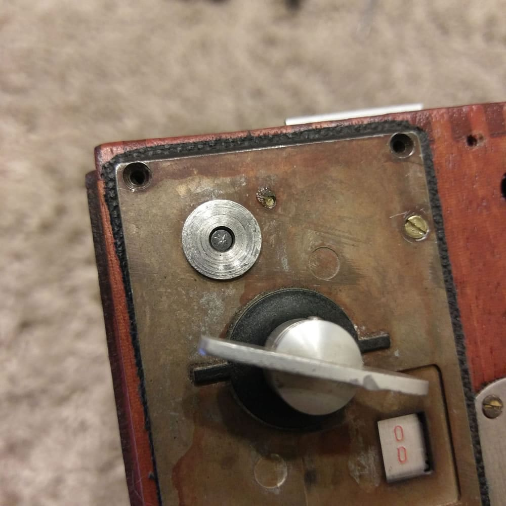 Speed Graphic - Shutter mechanism top pin engaged