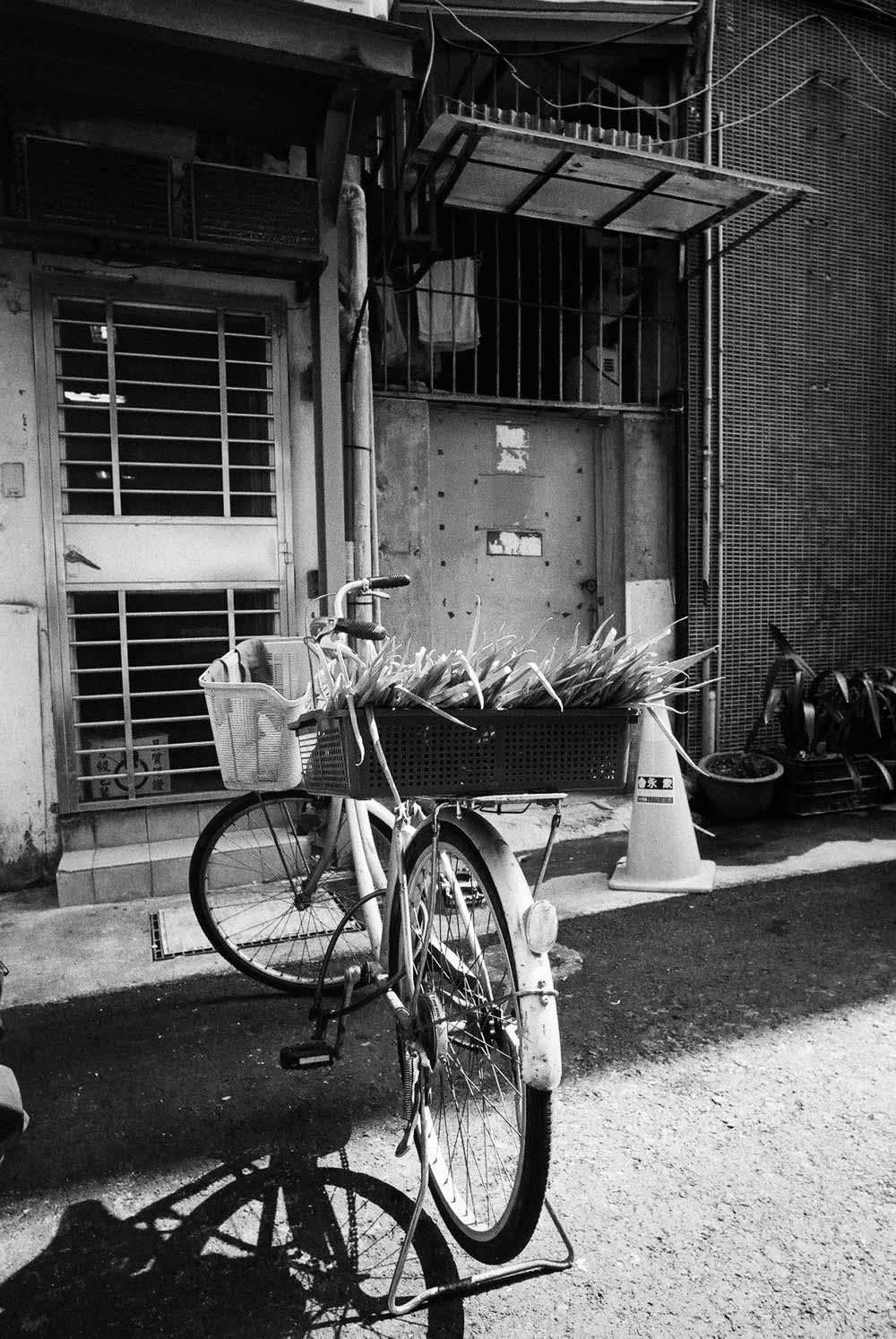 Special delivery - Shot on ILFORD HP5 PLUS at EI 400. Black and white film in 35mm format.