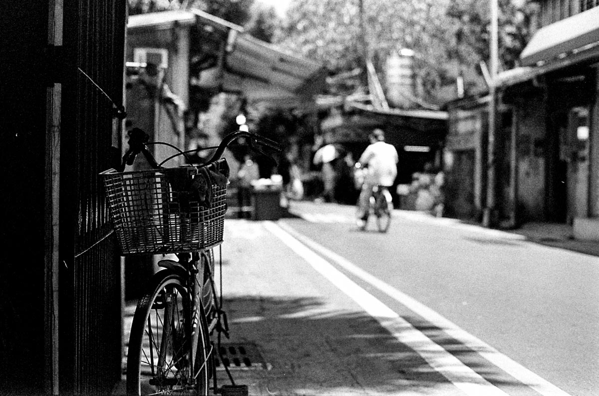 Second choice - Shot on Kodak EASTMAN DOUBLE-X 5222 at EI 400. Black and white negative film in 35mm format. Push processed 2/3 stop.