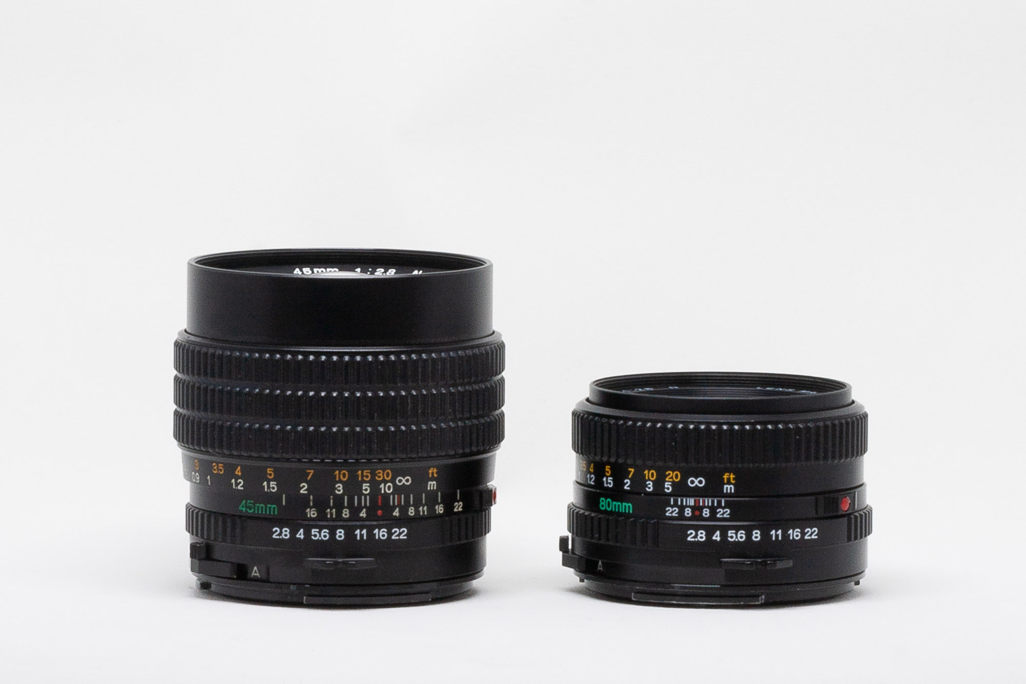 Side comparison of Mamiya-Sekor C 45mm f:2.8 N and Mamiya-Sekor C 80mm f:2.8 N lenses