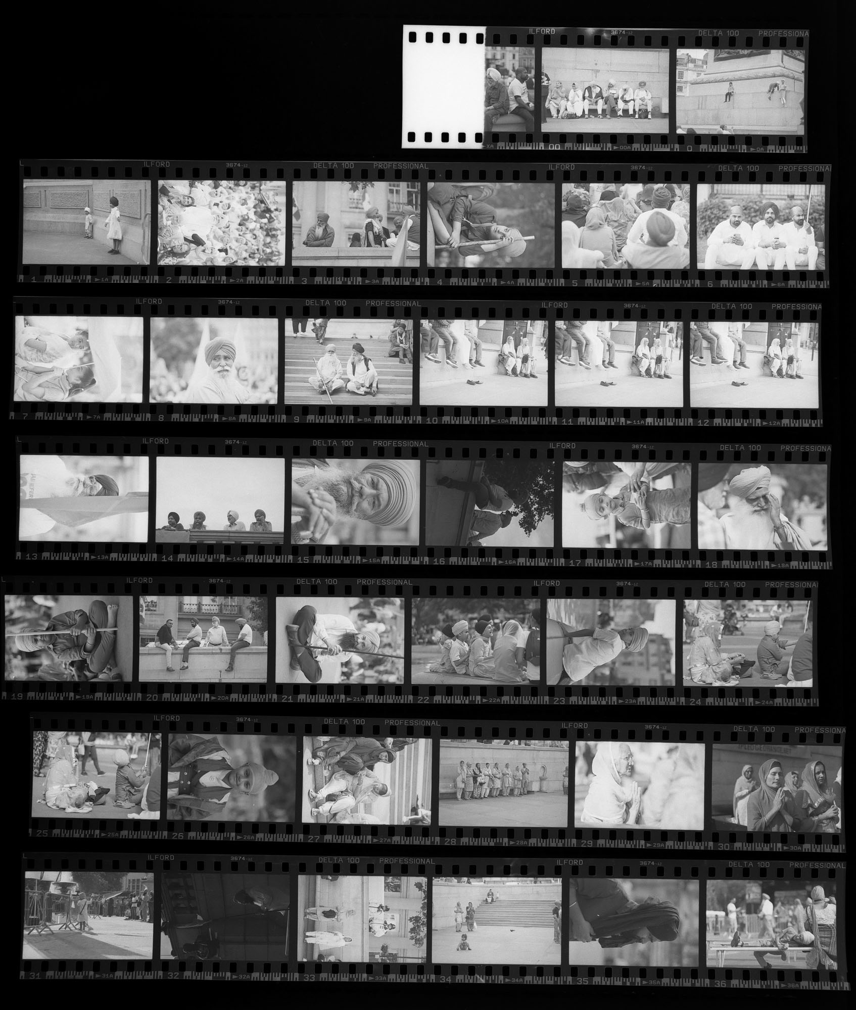 Using a contact sheet to actively curate an image