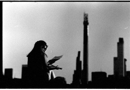 5 Frames With... JCH Street Pan (35mm / EI 400 / Leica M6, 90mm APO) - by Simon King