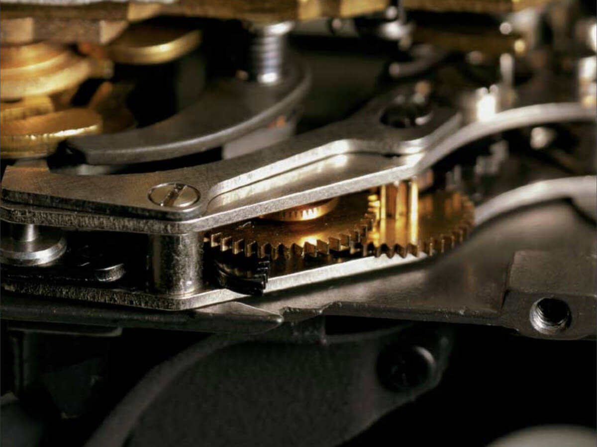 Leica M6 and M6 TTL internal mechanism cross section. Image credit: Leica promotional material
