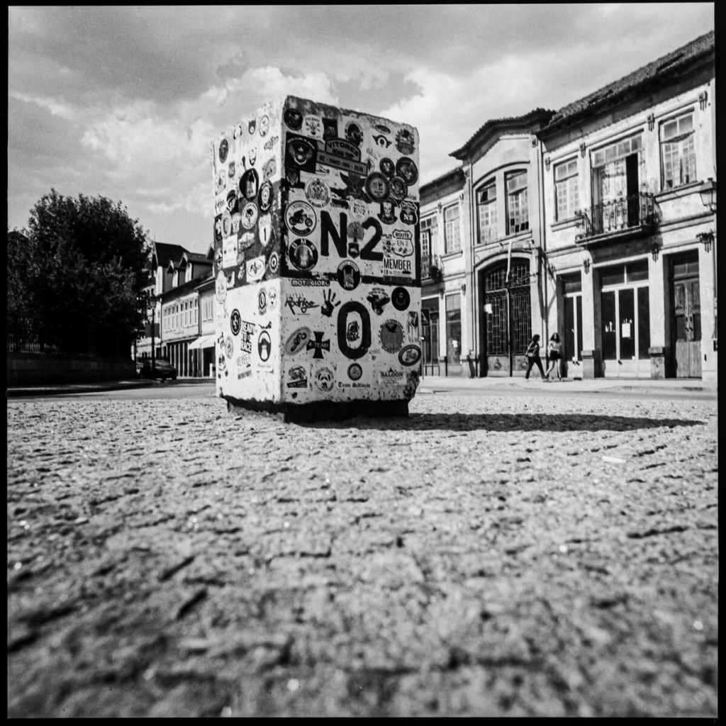 Km #0, Chaves - Hasselblad 500C, Carl Zeiss Planar 80mm f/2.8, ILFORD FP4 PLUS