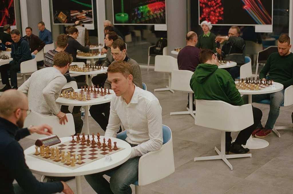 5 Frames... Of Chess at Vilnius University's FTMC on Kodak Portra 160 (35mm Format : EI 200 : Nikon F3 + Nikon Nikkor 50mm f:1.8 AI) - by Arutis
