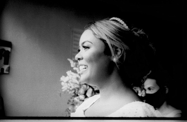 5 Frames… From my wedding day, just before I got married (ILFORD FP4 PLUS / 35mm Format / EI 125 / Canon 3000N + Canon 35-80mm f/4-5.6) – by Matheus de Souza