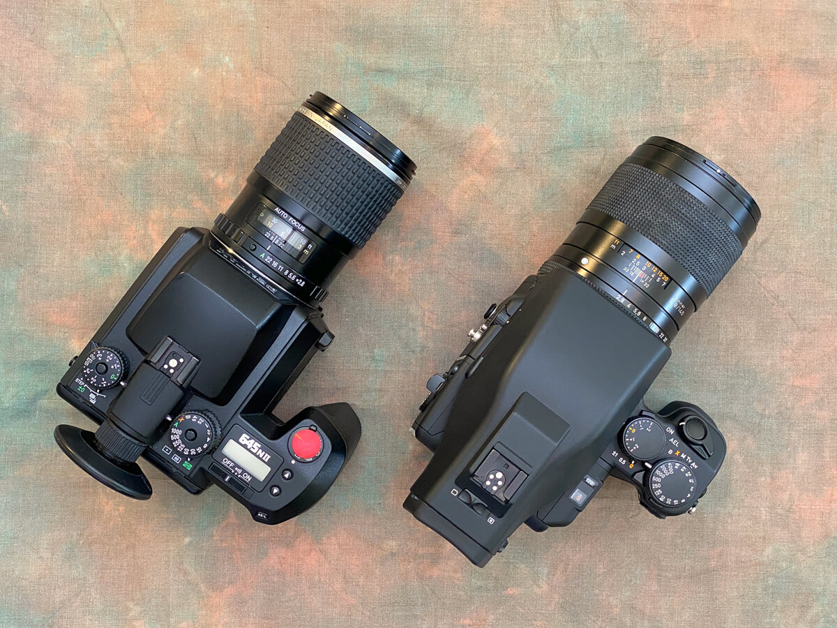 Gear Comparison - The Contax 645 and Pentax 645NII with telephoto lenses mounted