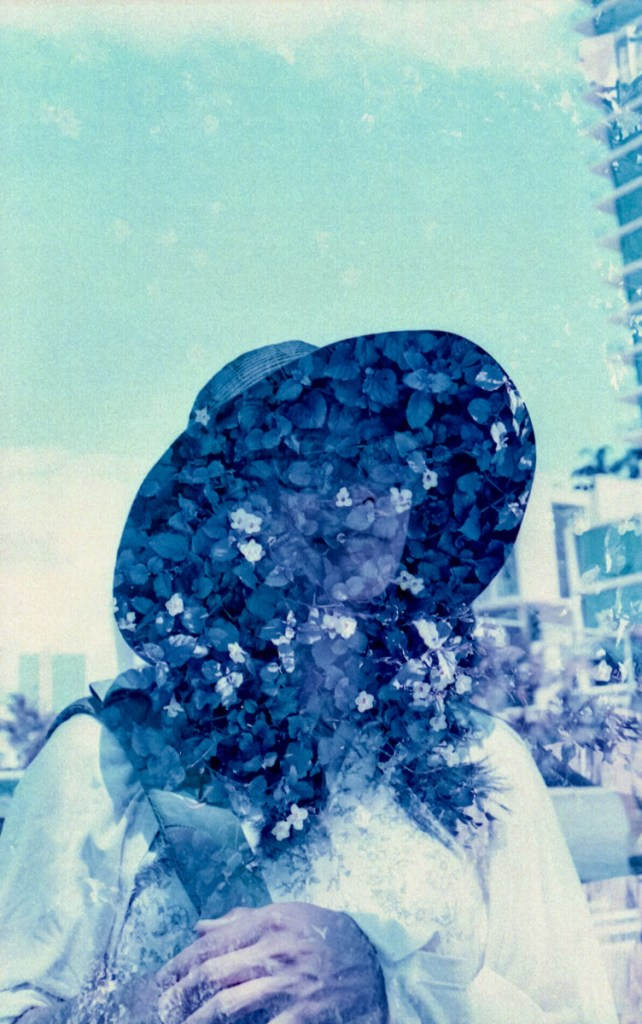 Double exposures on Canon Elan 7 in Hawaii. Ok, looking back it actually is a really beautiful film!!!