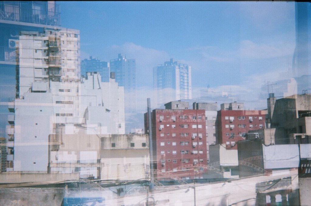 My first roll of film... Buenos Aires on Fuji Color 200 (Meikai EL) - by Juli
